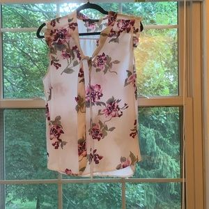 Like New Floral Top